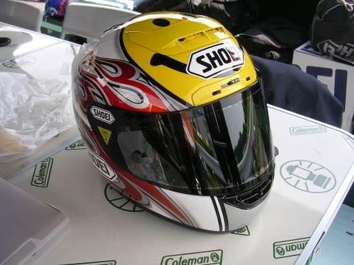 豊田選手ヘルメットその2