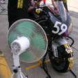 バイクも暑いんだよ~!!